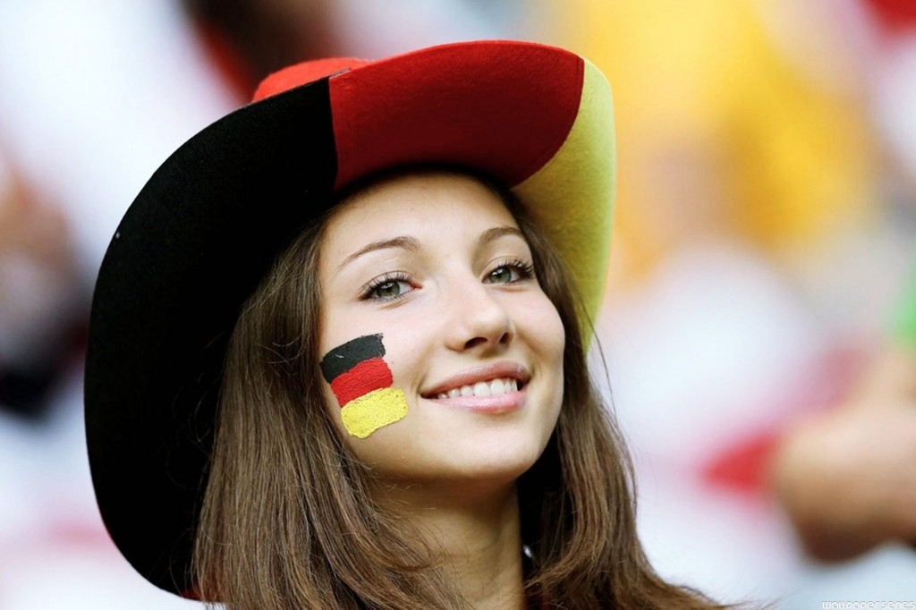 German FIFA Fan Girl Smile Wallpaper